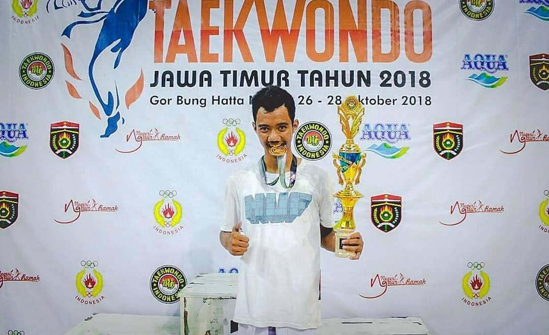 Keterbatasan Fisik, Atlet Taekwondo Magetan ini Mampu Sabet Medali Emas