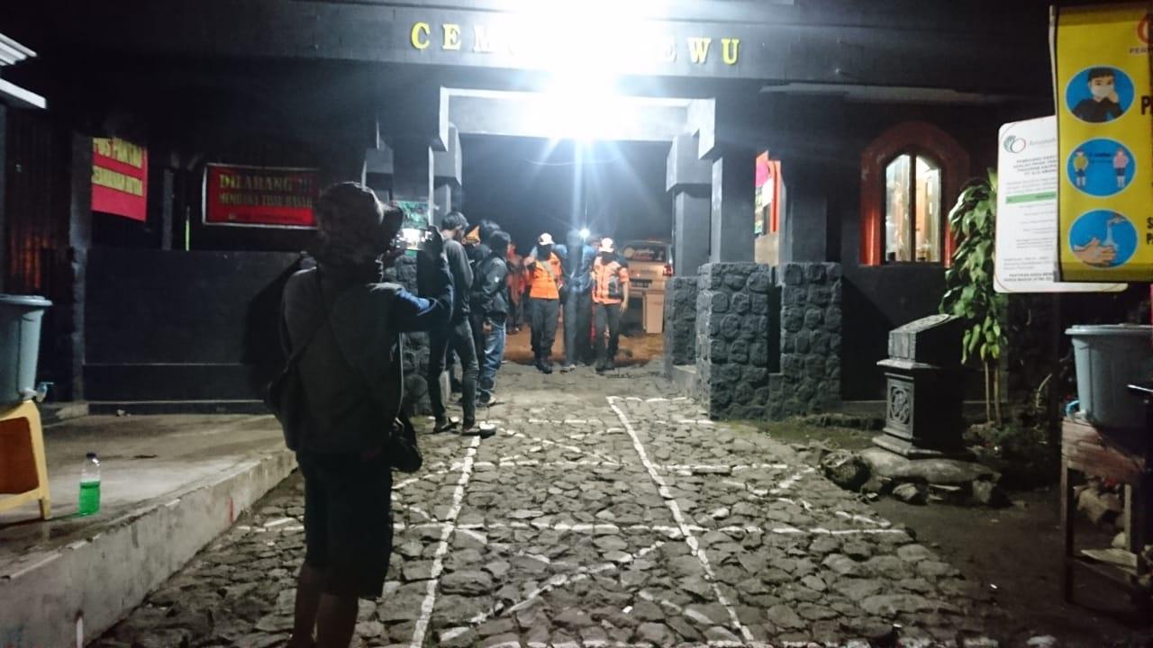 Mengalami Kram dan Terkilir, 3 Pendaki Gunung Lawu Dievakuasi
