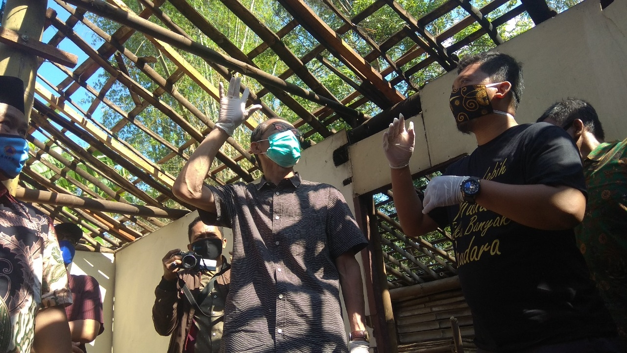Bedah 3 Rumah Tidak Layak Huni, Bentuk Peduli Pusaka Land Ditengah Pandemi Covid 19.