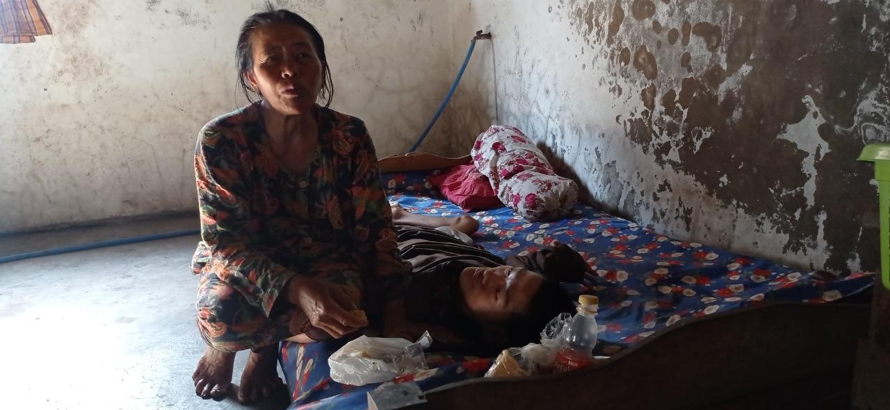 Demam Tinggi Saat Berusia 2 Bulan, Hartono Hanya Bisa Terbaring Selama Hidupnya