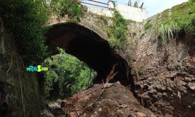 Diguyur Hujan Deras, Jembatan Yang Dibangun Jaman Belanda di Magetan Ambrol.