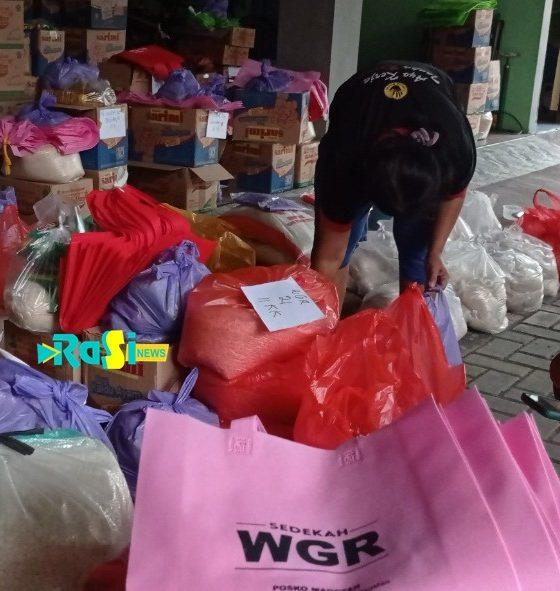 Dari Dicantol, Bantuan Sembako dari WGR Diantar ke Rumah Warga Yang Isoman
