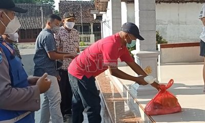 Cek Isolasi Mandiri Warga, Anggota DPRD Magetan Bantu Sembako Dan Susu Segar